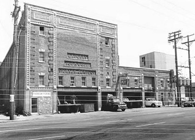 The building in 1976. (Courtesy KYTC)