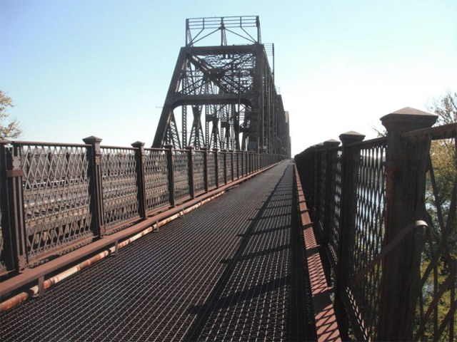 This path would be opened to pedestrians and cyclists under long-running plan. (Courtesy Open K&I Bridge / Facebook)