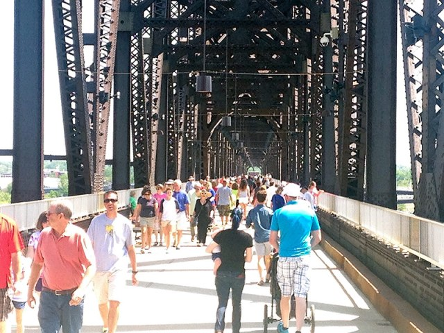 Crowds pack the Big Four Bridge. (Branden Klayko / Broken Sidewalk)