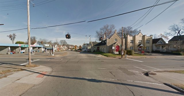 Looking east down Oak Street. (Courtesy Google)