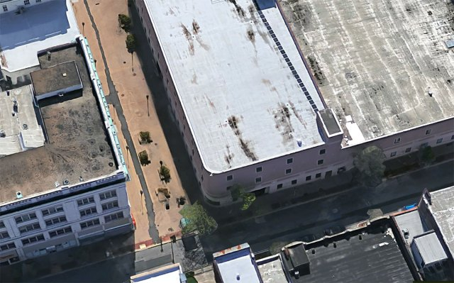 Looking down at Fourth and Guthrie towards the end of the Green's life. (Via Google)