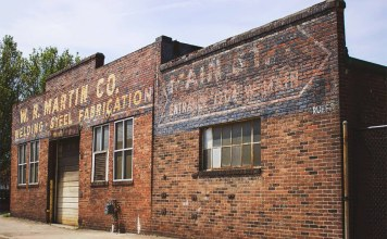 Ghost signs. (Courtesy AIGA Louisville)