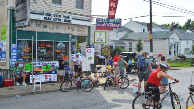A scene from CycLOUvia Three Points last year. (Courtesy John Paul / Vic's Classic Bikes)