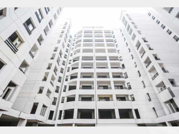شقة 215 م سموحة كومباوند إيست تاور