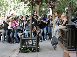 Filming in 64 Perry and 66 Perry — The West Village in New York. Photo (Getty Images)