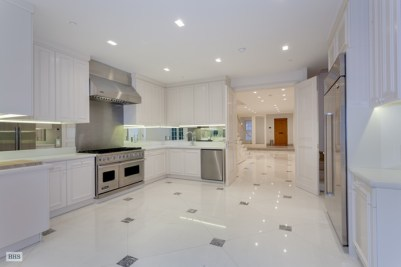Fashion-Designer-Luca-Orlandi-Upper-East-Side-Townhouse-For-Sale-Kitchen