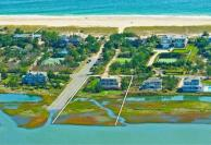 120922-6017, Douglas Elliman RE, McGuiness, 1421 Meadow Lane, Southampton, NY, SCTM904-022-1-12, N40,51.190, W72,26.700