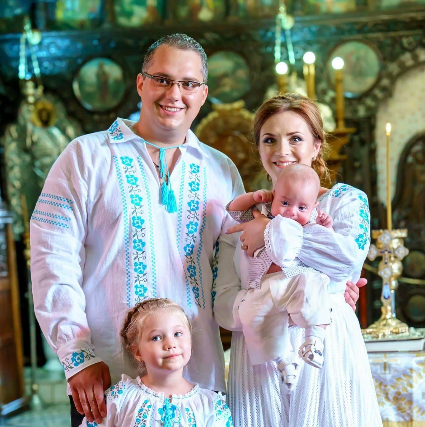 Foto Costume Populare Pereche Pentru Intreaga Familie Atelier Bromania