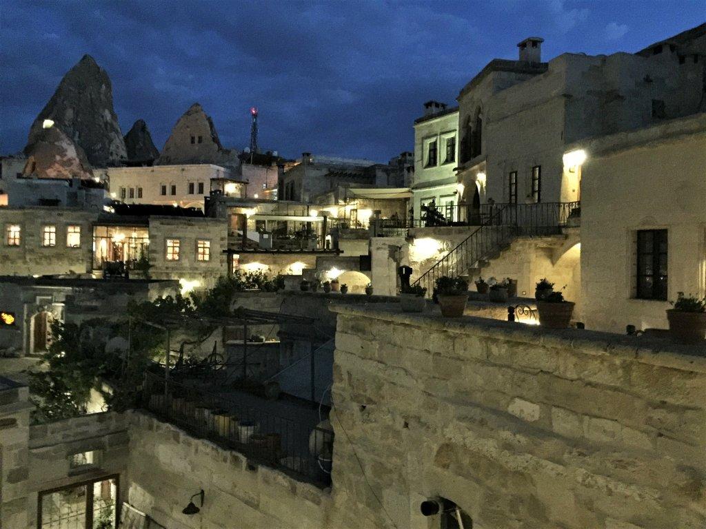 土耳其洞穴飯店 - 卡帕多奇亞夜景