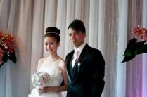 pink vintage brooch wedding 2