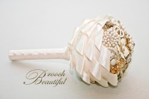gold pearl brooch bouquet_17a
