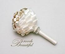 vintage alternative gold pearl brooch bouquet