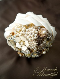 Vintage Gold Pearl Ivory Bling Brooch Bouquet 7