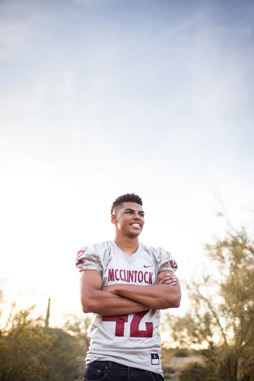 football senior portraits in the desert