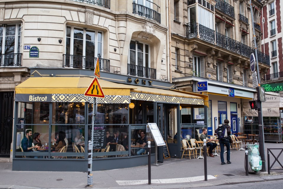 Mont Cafe Paris France