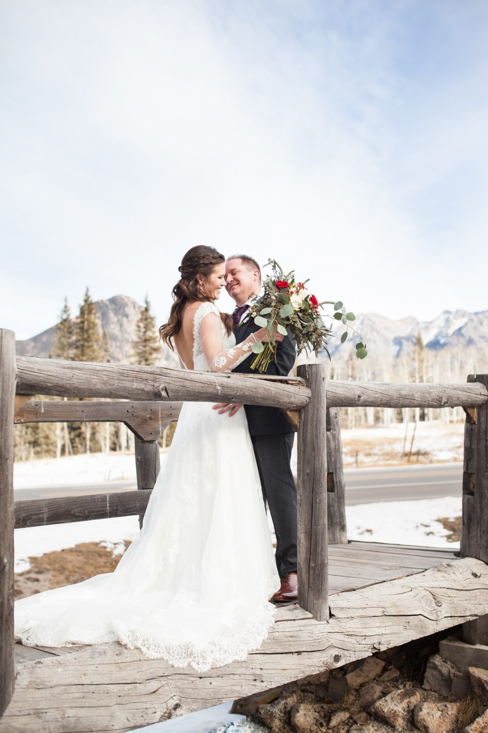 winter wedding bride and groom durango colorado winter wedding