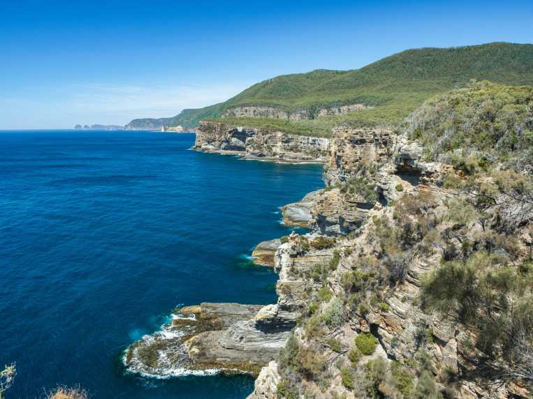 The lookout near Devil's Kitchen and Tasman's Arch