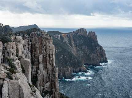Approaching Cape Pillar
