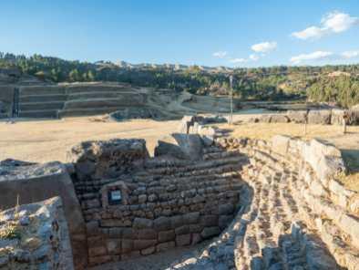 Impressive ruins at Sacsahuamán