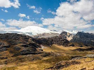 Views of the Cordillera Raura