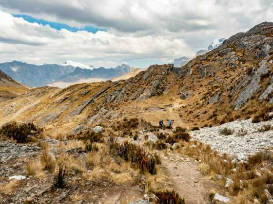 Descending from Siula Pass