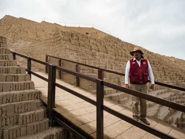 Guided tour of Huacachina Pucllana ruins