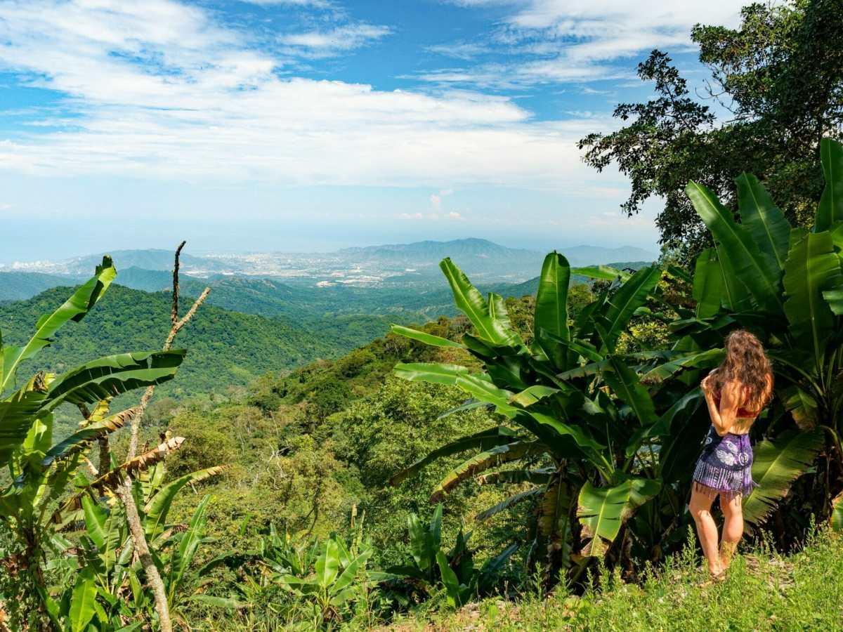 Girl bikini viewpoint Los Minos Minca Colombia