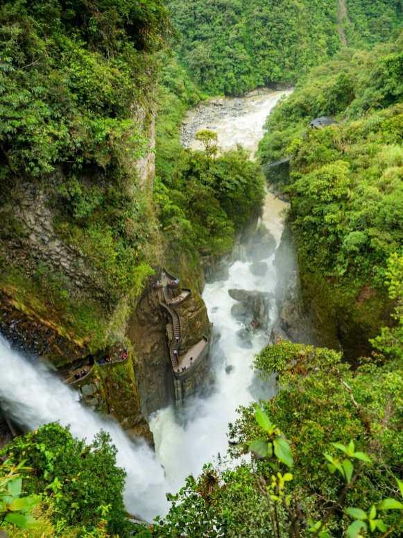Paílón del Diablo waterfall Baños Ecuador
