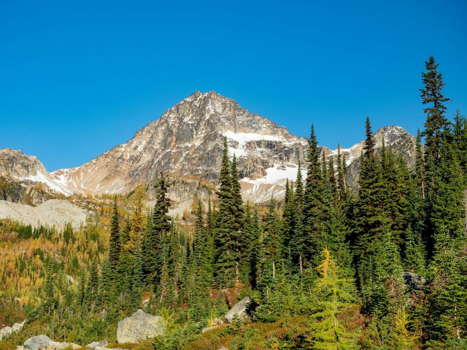 Maple Pass Loop Wing Lake Black Peak hiking