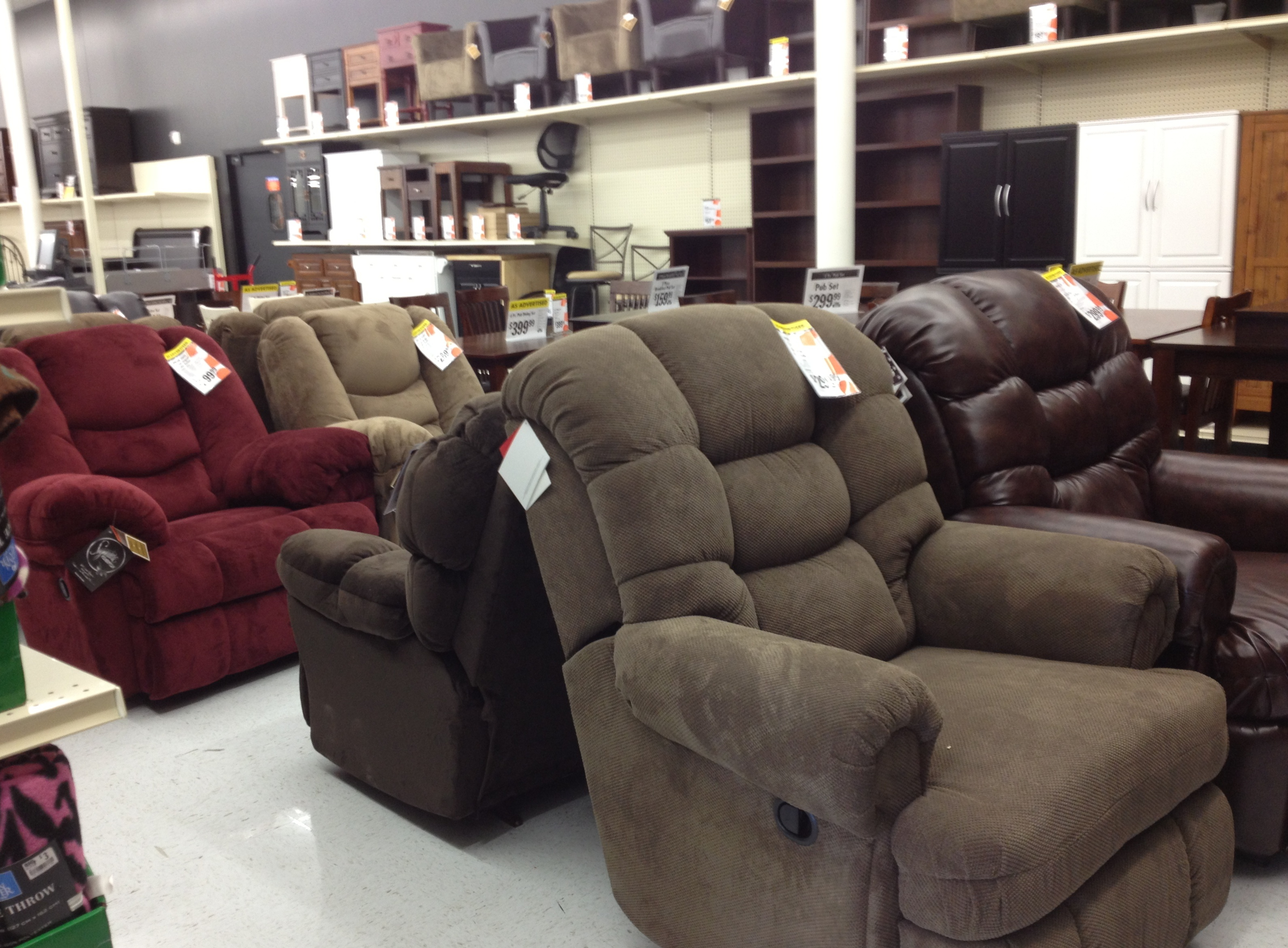 Big Lots Furniture Chairs Big Lots Opens At Rhode Island Shopping Center A Review