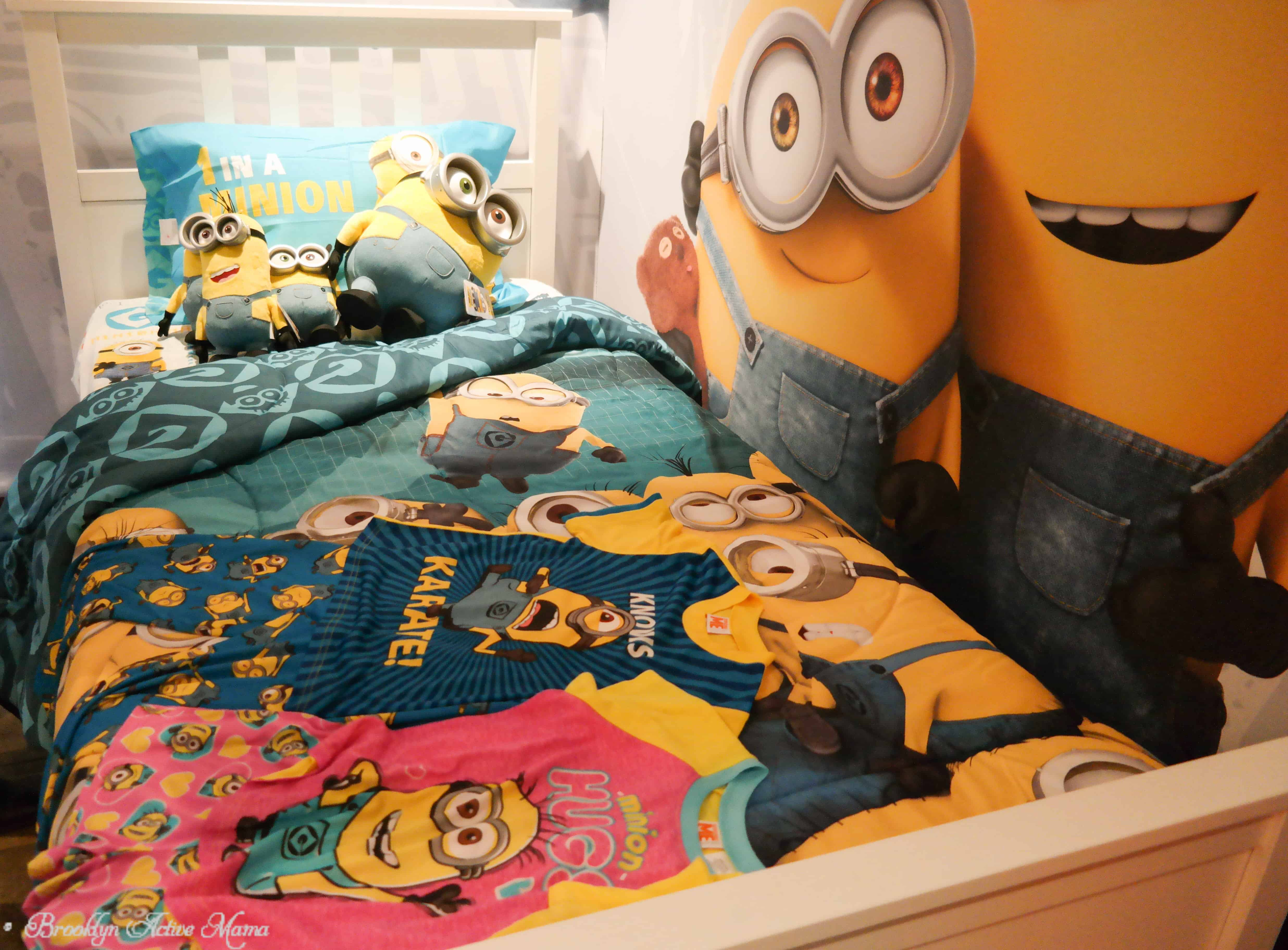 Minion Bedroom Minions And Jurassic World Toys Preview Event Brooklyn Active Mama