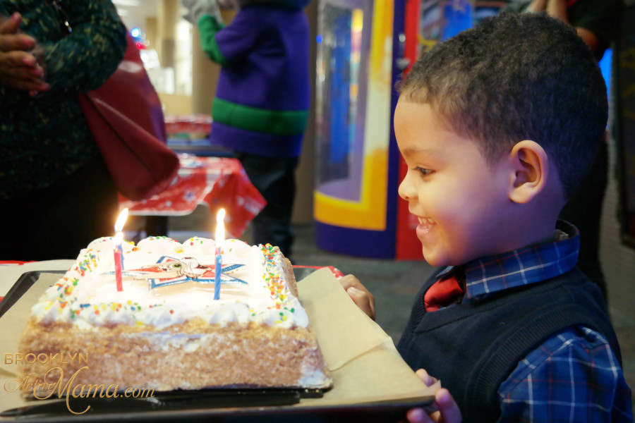 Birthday Party at Chuck E. Cheese-2288