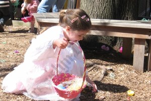 Easter Egg Hunt at Plymouth Church 2009