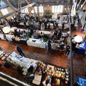 Greenpoint Spring Market 04/09/2017 - Brooklyn Archive