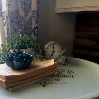 DIY Tray Table Transformation #decoartprojects #chalkyfinish