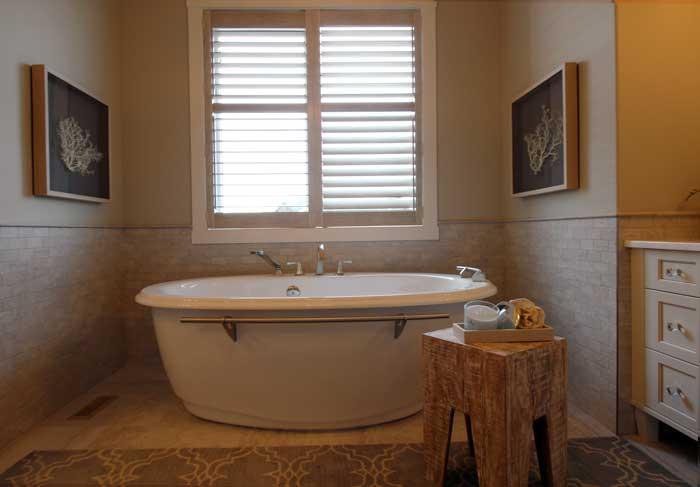 Master-Bath freestanding bath tub Luxury Lake House
