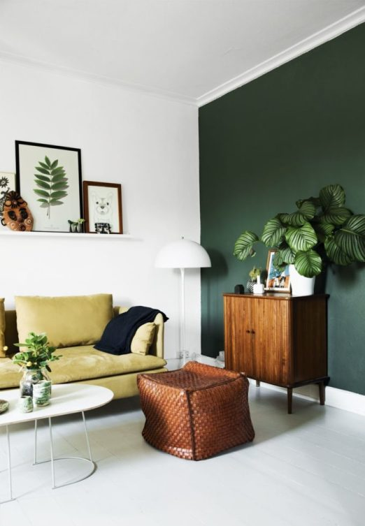 One accent wall - hunter green