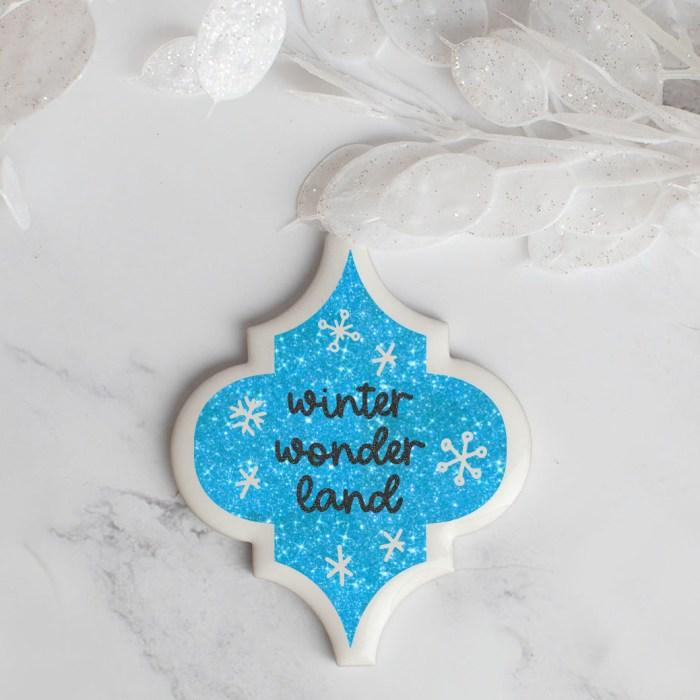 Winter Wonderland Arabesque Tile Ornament