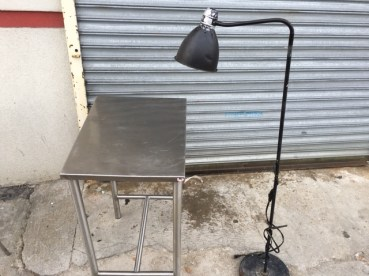 STAINLESS TABLE LAMP