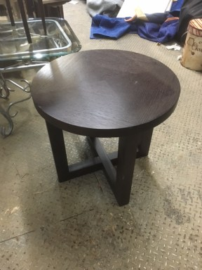 ROUND TABLES SMALL