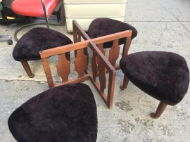 MID CENTURY SEATING COFEE TABLE