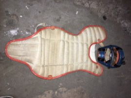 VINTAGE CATCHER PAD AND MASK