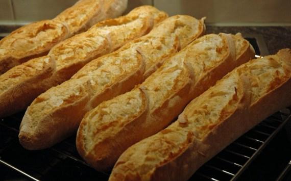 Aromatische Weizen-Baguettes