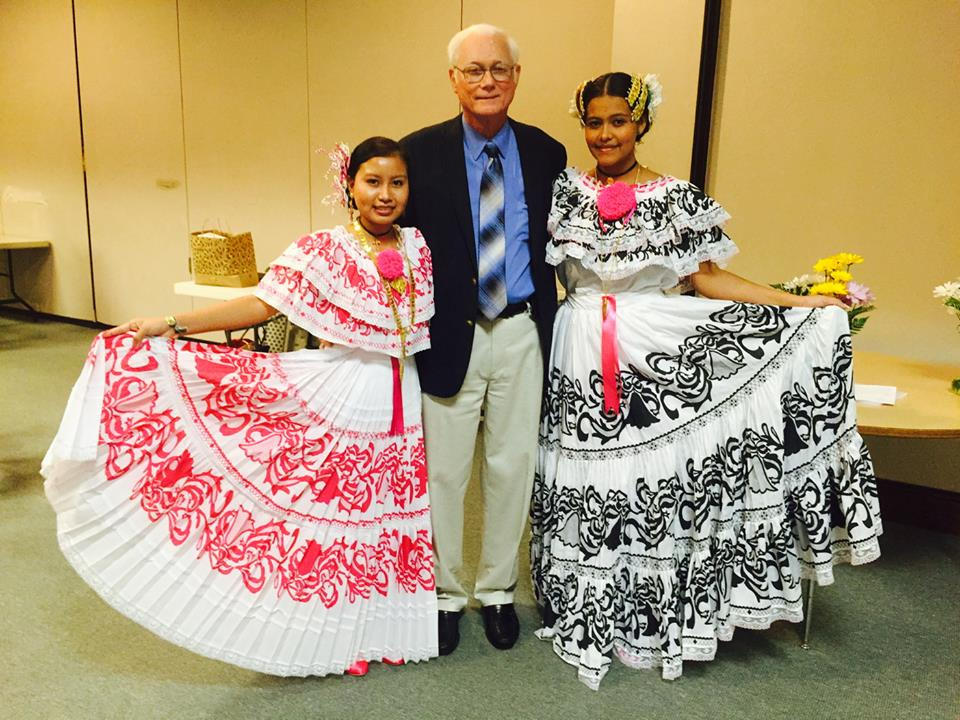 Director reports at Friends of Panama Dinner