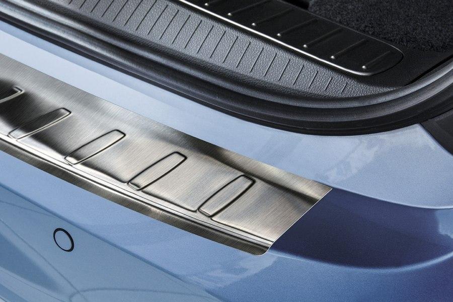 Накладка на задний бампер с загибом Opel Zafira Tourer (2012-)