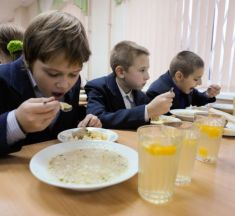 Харчування дітей у броварських школах та садочках подорожчало