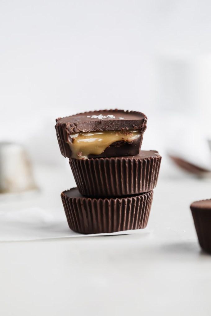 homemade-salted-caramel-dark-chocolate-cups