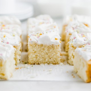 easy-lemon-sheet-cake-vanilla-frosting