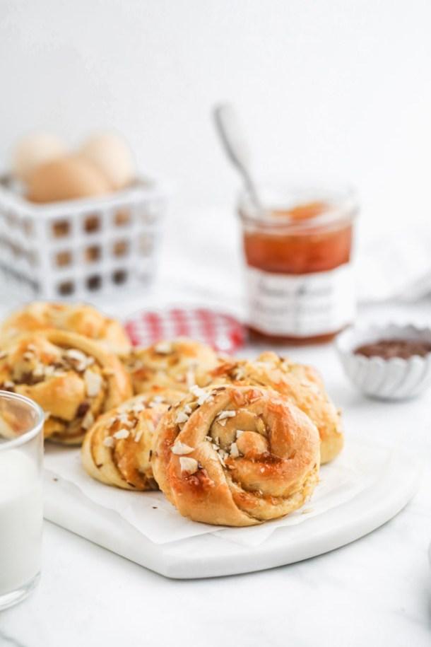 apricot-almond-sweet-buns