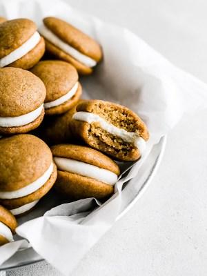 mini-pumpkin-whoopie-pies